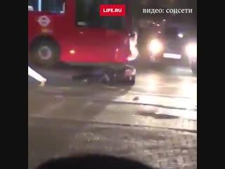 Подростки избили полицейских в Лондоне