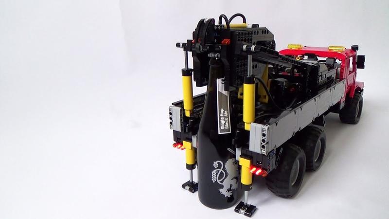 LEGO Technic Mercedes Zetros beer opener (MOC) - how it works