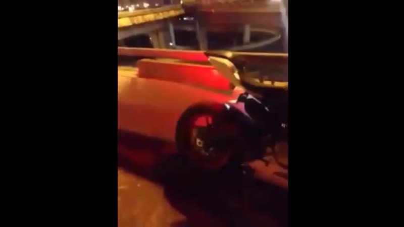Мотоцикл выжил, мотоциклист - нет