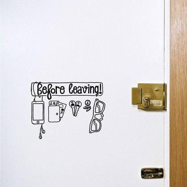 Наклейка на дверь, чтобы ничего не забыть дома… (1 фото) - картинка