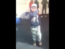 Серёжа на дне города с мамой братом и бабушкой показал как он танцует