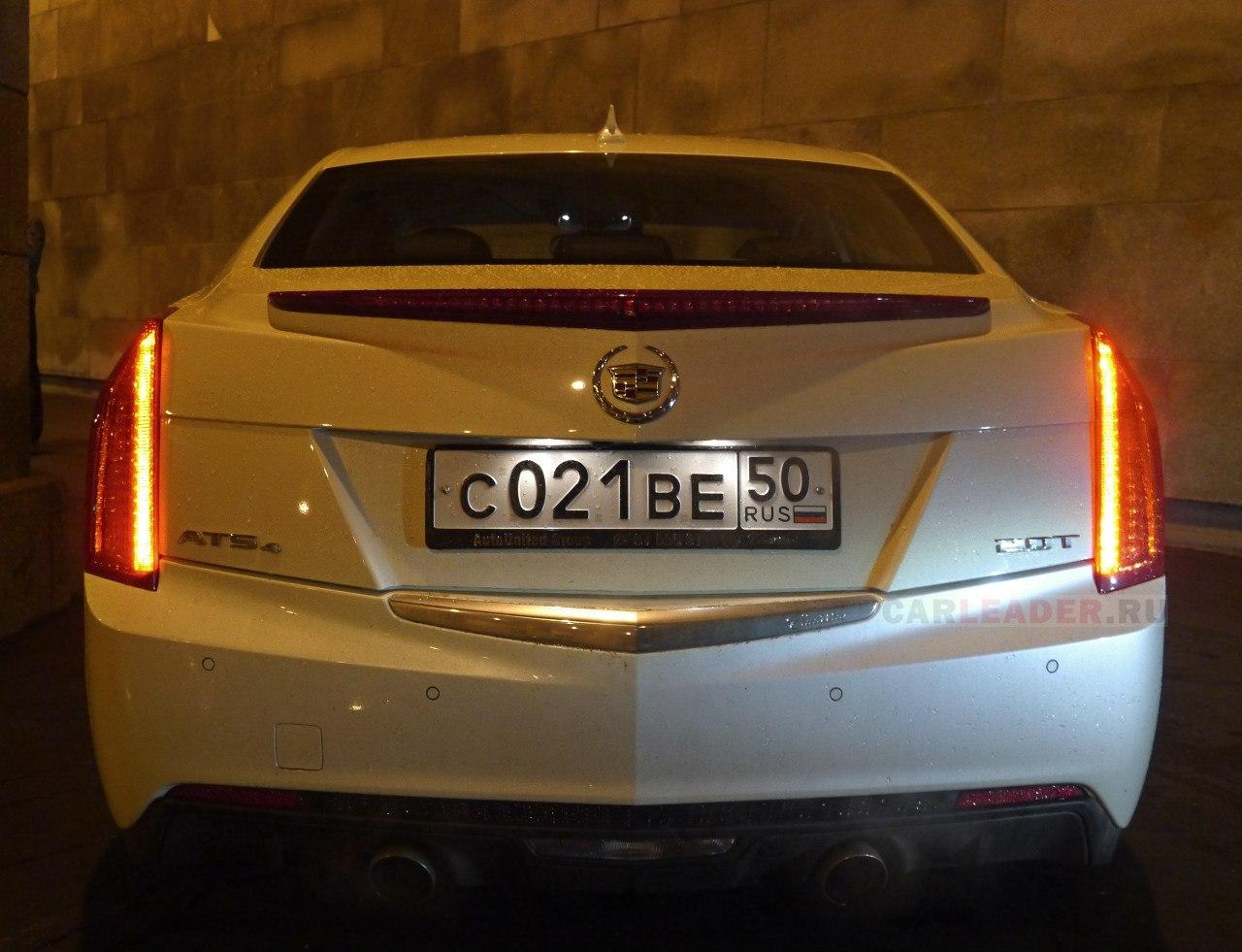 Задние фонари Cadillac ATS.