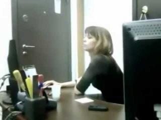 скрытая камера матерные частушки,у секретарши едет крыша на работе