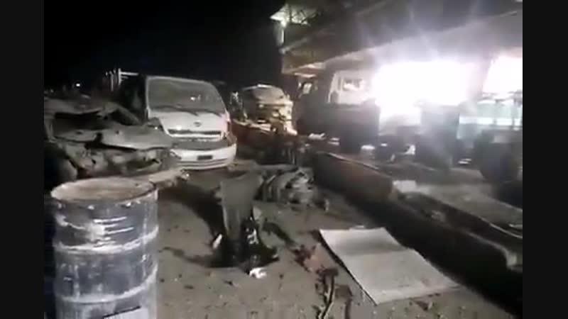 На западе Мосула рядом с рестораном Абу Лейла взорвалась заминированная автомашина. При взрыве погибли 7 человек, еще 10 ранен
