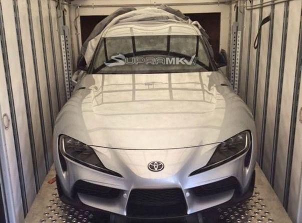 Опубликована фотография серийной Toyota Supra нового поколения.