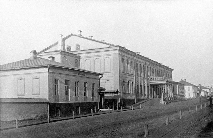 Дом, в котором во время вятской ссылки Салтыкова располагалась резиденция губернаторов (Спасская ул., д. 20)
