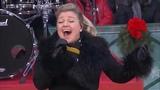 Kelly Clarkson - Heat Live on Macys Thanksgiving Day Parade 2018