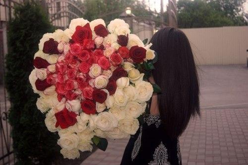 Цветы и девушки кавказа