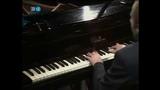 Glenn Gould - Johann Sebastian Bach, Prelude &amp Fugue No. 22 in B-Flat Minor, BWV 891 - WTC II - (HD)