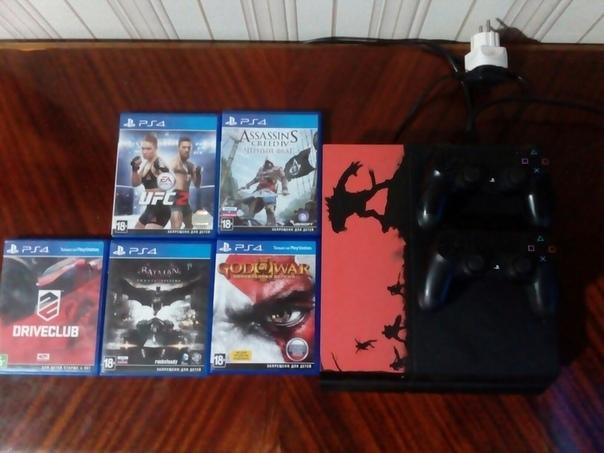 Продам PS4 с двумя джойстиками и кабелем hdmi