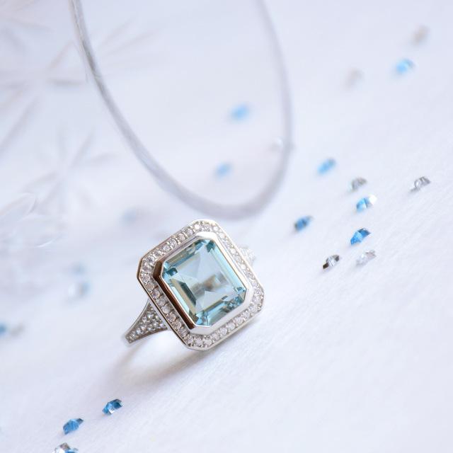 Серебряное кольцо с аквамарином GemStoneKing