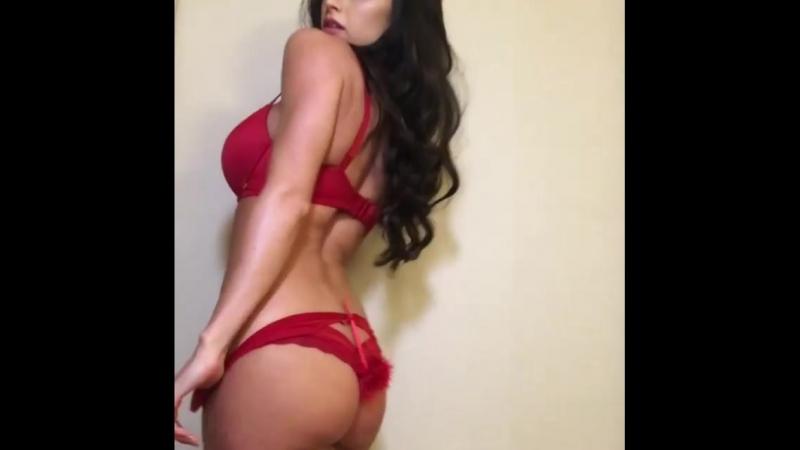Жгучая брюнетка крутится перед камерой Girls Teen Boobs Tits Попка Сиськи Грудь Голая Эротика Трусики Ass Соски