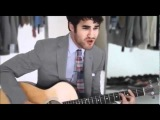 Darren Criss singing Tu vuo fa lamericano.