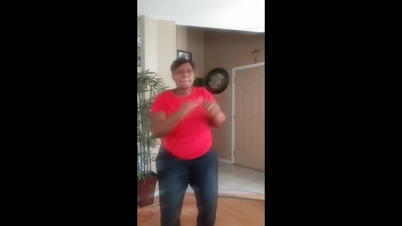 Woman films herself showing off her dance moves