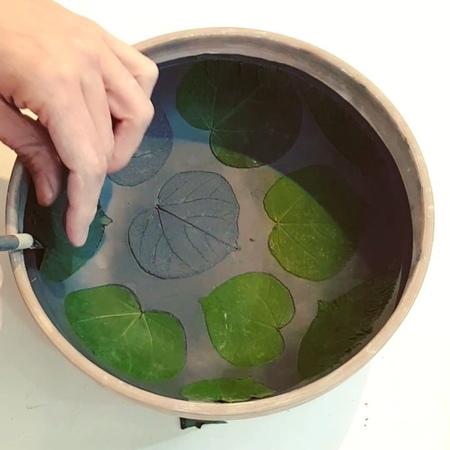 "Art by Noam Rosenberg on Instagram: ""Leaves patterns on ceramic bowl הכנת קערת קרמיקה עם טקסטורת של עלים (מהשיח בחצר) ceramicisceramicvideo cer..."