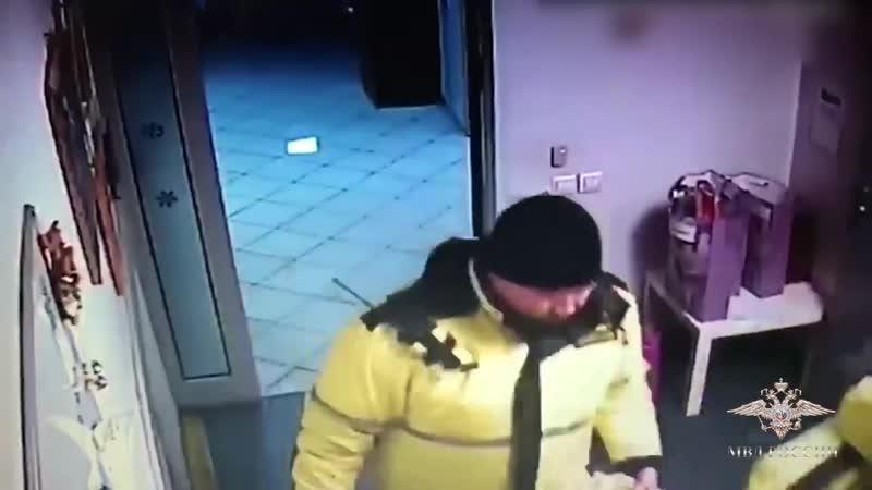 В Москве двое охранников украли партию игрушек собранных для тяжелобольных дете
