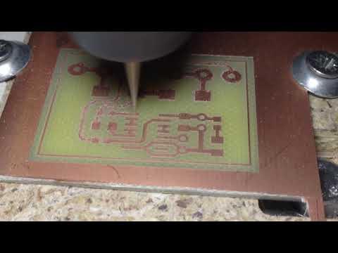 Фрезеровка контура проводников печатной платы на станке ЧПУ 2020b
