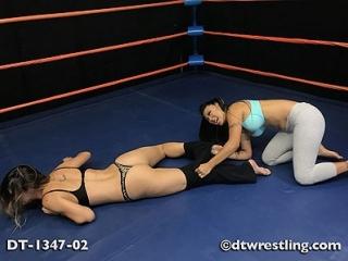 Karlie Montana vs Nicole Oring