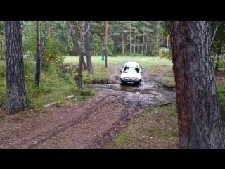 Преодоление препятствий!😅🚙🌲🌲🌲 #автопрогулка #лес #ручей #каркаралинск #комиссаровка