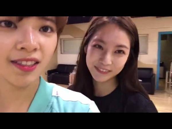 160702 Twice Jungyeon Gong Seungyeon FB Live ft. Mina, Sana Dahyun