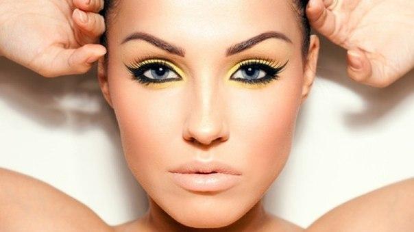 Как делают перманентный макияж век