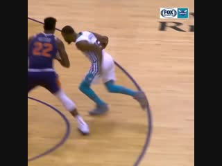 """""""Good Golly, Miss Molly!"""" Kemba is clutch 🔥"""