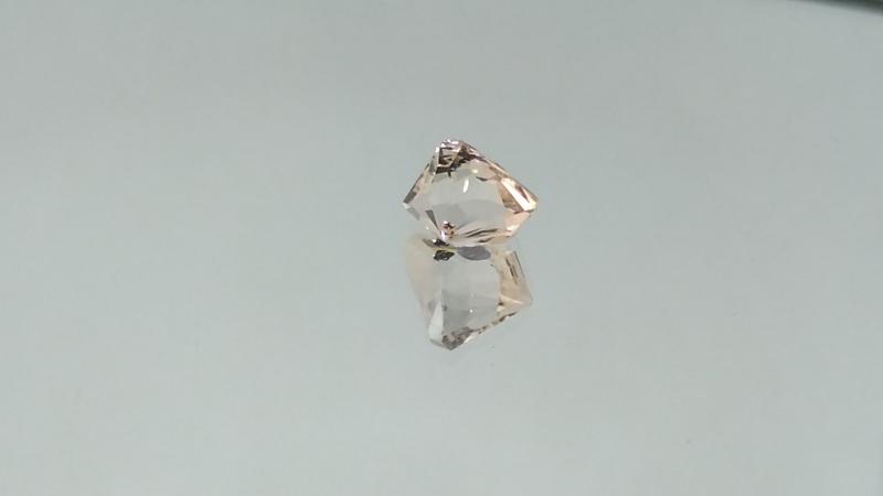 Морганит. Огранка Алексея Комарова. На продажу. 2.6 карата. 8.6/8/7.2 мм. Не леченый. Другие работы по хэштегу gem_cutter_kom