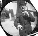 19-летний студент из Осло в 1890 году спрятал шпионскую камеру под одеждой и фотографирова…