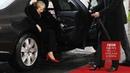 Тереза Мэй застряла в машине пока ее ждала Меркель