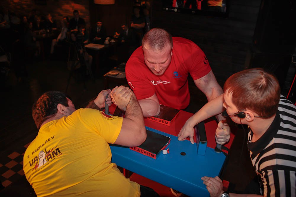 Zaur Paizulaev (yellow shirt) Vs. Aleksey Akimov (red shirt)