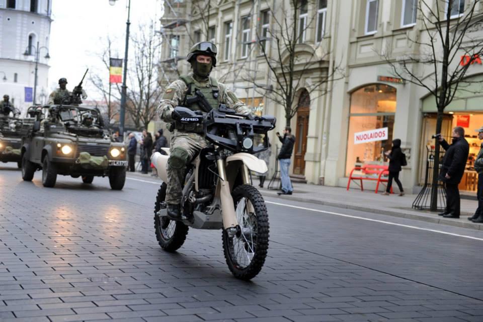 Armée lituanienne/Lithuanian Armed Forces - Page 3 VbZ3M7jiAoI