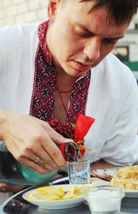 Анатолий Ларионов