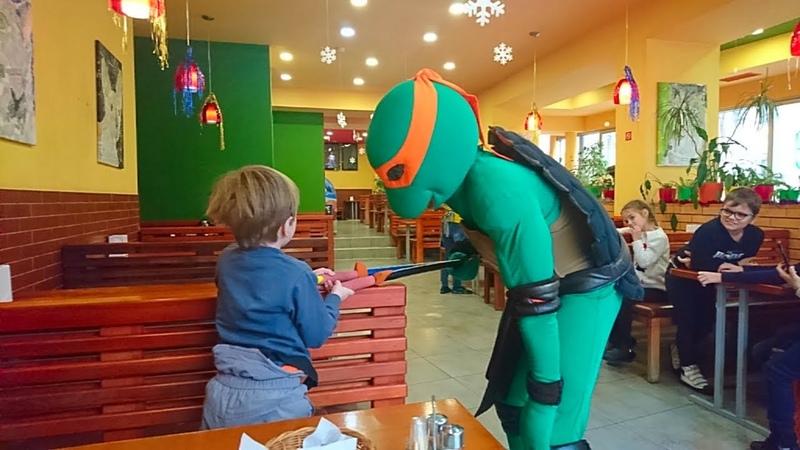 ВЛОГ Черепашки Ниндзя в Одессе Кушаем в Starpizzacafe Развлечения для детей Весёлое шоу и танцы