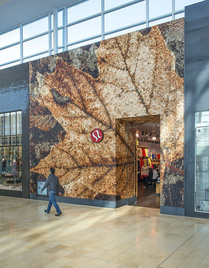 Lululemon Yorkdale store by Quadrangle Architects
