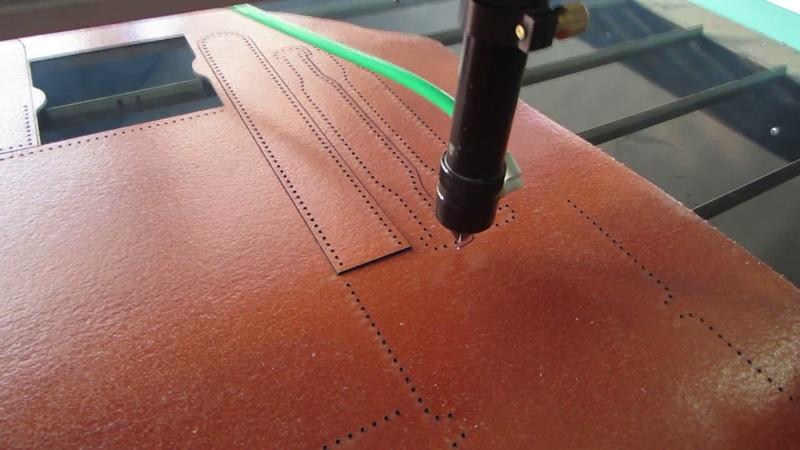 Резка кожи на лазерном станке ЧПУ STEP-O-MATIC L1290