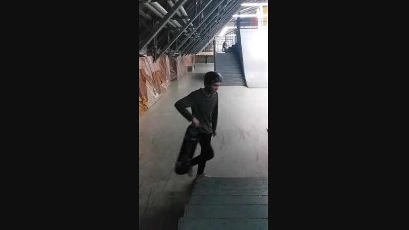 Ramses's a new skate trick and line - front one forth underflip, fakie fs shove-it fakie tre flip 23.01.2019