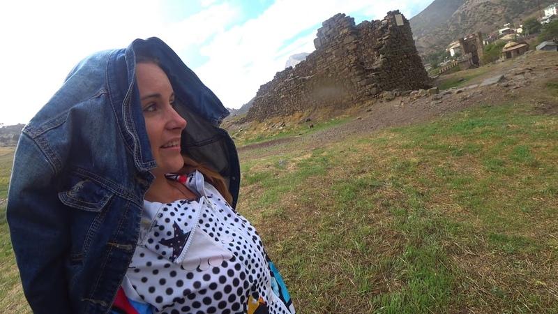 В Купальнике под дождем! ШОК - Кассир ОТКАЗАЛСЯ пускать в Генуэзскую крепость в СУДАКЕ! Крым