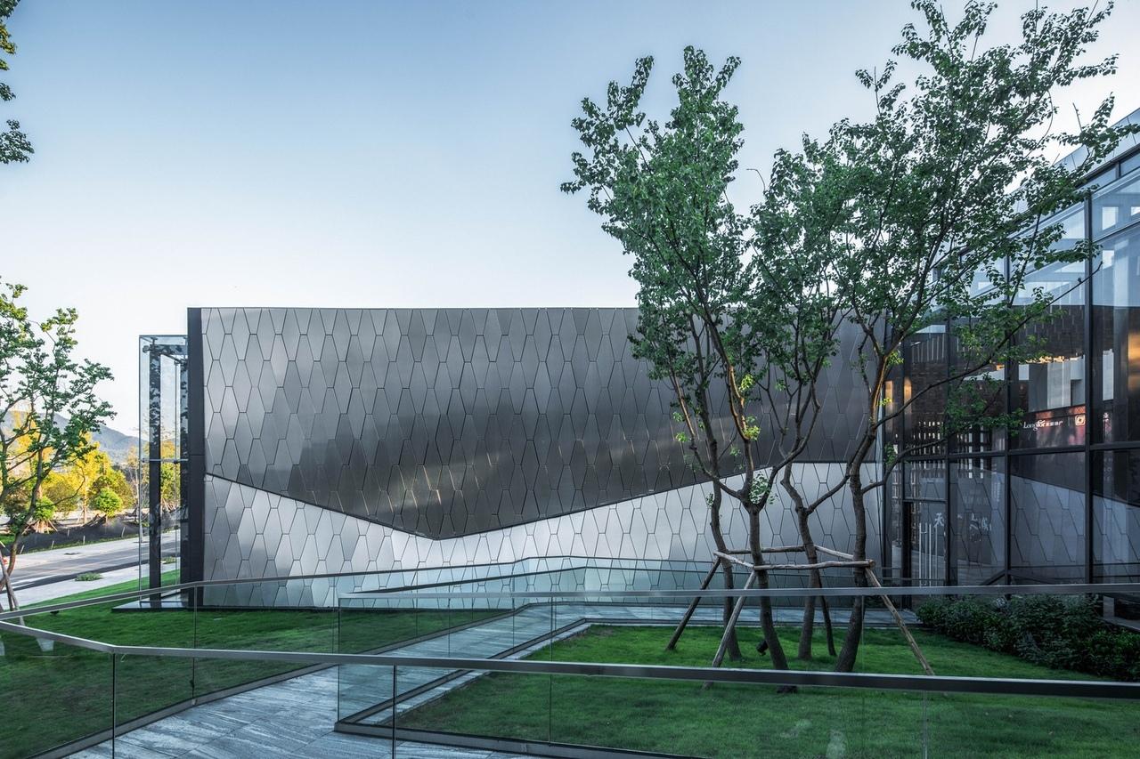 Yuanlu Community Center / Challenge Design