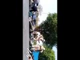 نخستین فیلم واضح از تیراندازی شدید به رژه نیروهای مسلح در اهواز - براندازم - IranRegimeChange