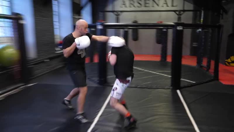 Стиль бокса Д'Амато 'Пикабу' со Шталем — Майк Тайсон и его тренировки, нокаутирующий удар, маятник.mp4
