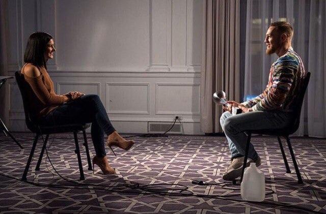 Конор МакГрегор дает интервью в преддверии UFC 205