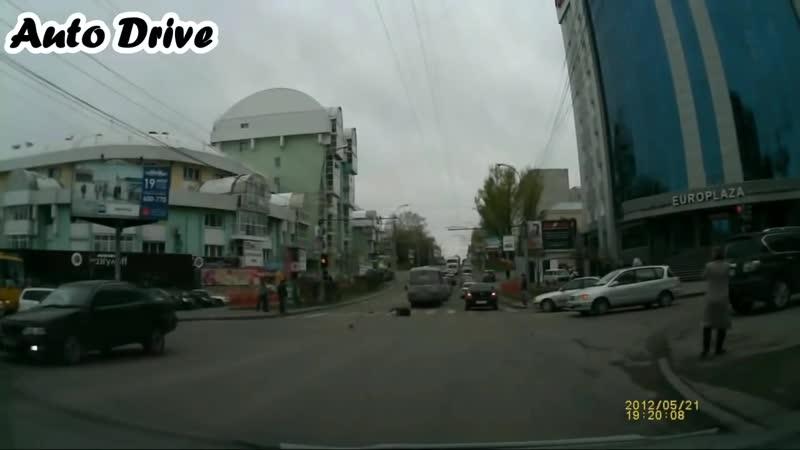 Подборка ДТП с пешеходами Сбитые пешеходы на дороге