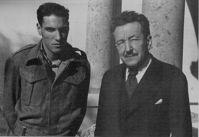 Милан Гавриловић са сином Алеском, војником Југословенског батаљона у Египту. Каиро Други светски рат.