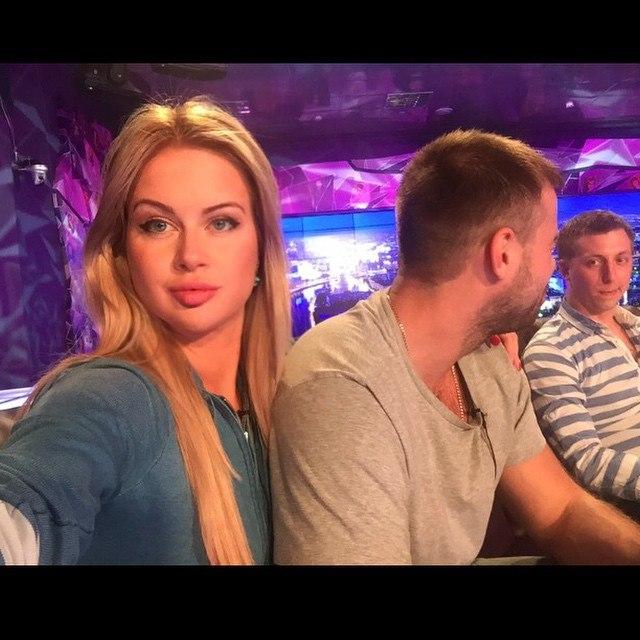 Блондинка красотка Богдана