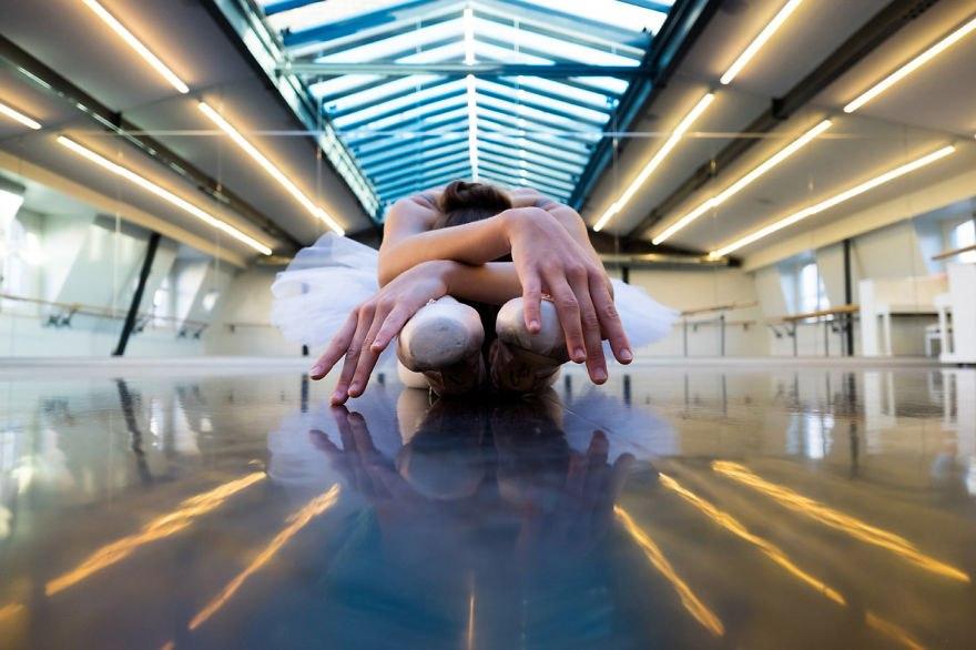 Закулисные фотографии русской балерины