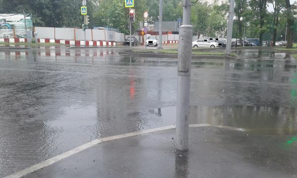 Светофор привели в порядок на Беломорской улице