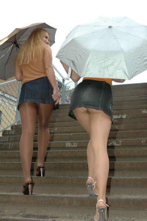 Секси ножки и короткие юбочки