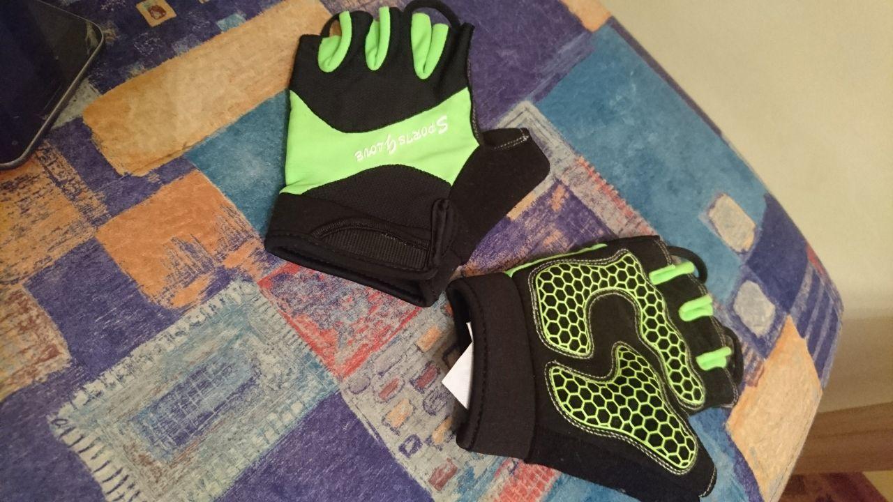 Перчатки спортивные скорее велосипедныено я брала их для спорт зала