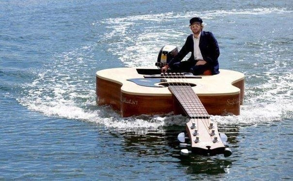 клип про плывущую лодку