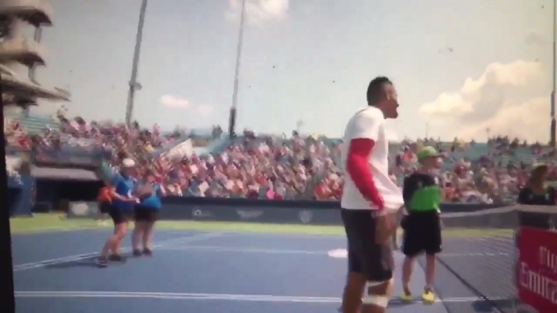Ник Кириос вышел на матч без теннисной обуви Betting good tennis